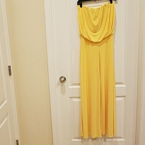 Strapless yellow pants jumper